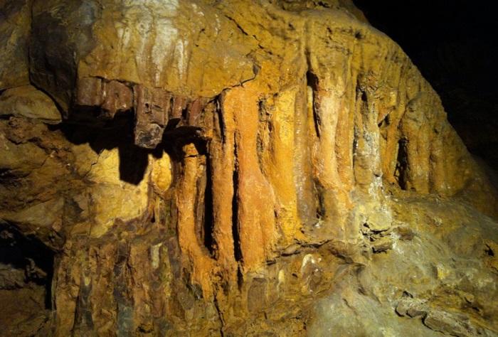 Pálvölgyi cave, Budapest ©Aanjhan Ranganathan / Flickr