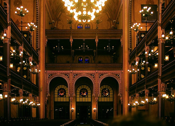 Dohány Street Synagogue, Budapest, interior ©Byron Howes / Flickr