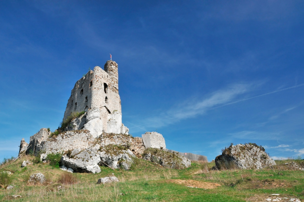 Zamek w Mirowie - pomysł na krótkie wycieczki z Krakowa
